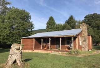 Happy Bear Hideaway Cabin