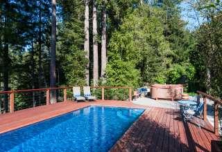 Tree House Eco-Resort- FUN!