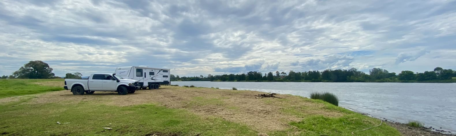 Saundy's River Front Taree