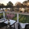 Restorative Lakefront Retreat