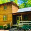 West Virginian- 2-bedroom log cabin