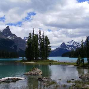 Maligne Lake Chalet and Guest House National Historic Site