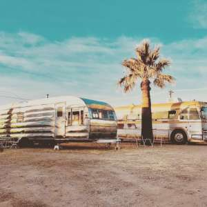 El Pais Motel & Campgrounds
