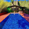 Tree House! Sun, Pool, Spa & Sauna