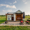 The Sweet Grass Cottage & Patio