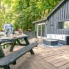 Hilltop Cabin Getaway